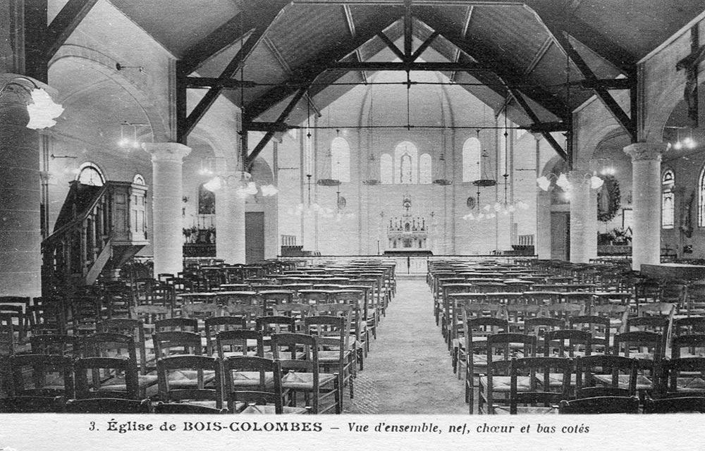 L'intérieur de l'église au début du siècle (AMBC).
